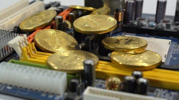 Empresário se diz pai do bitcoin, mas tome cuidado com a história